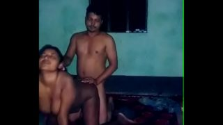 Fucking hot Bengali aunty's pussy in doggy style