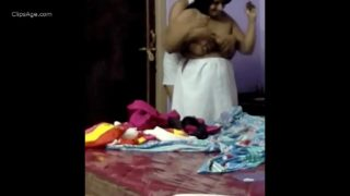 Sexy Gujju aunty fucked by young boy