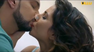 Hot desi bhabhi making out with massager