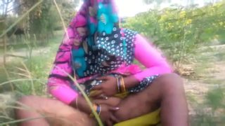 Hot desi aunty fucked hard in an open field
