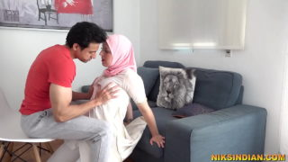 Gym trainer fucking Muslim girl in doggy style