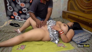 Fingering Indian chut of big ass aunty